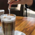 カフェオレに砂糖を入れる時におすすめの種類や量は!?