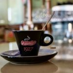 本場イタリアでエスプレッソに砂糖をいれて飲むのはなぜ!?